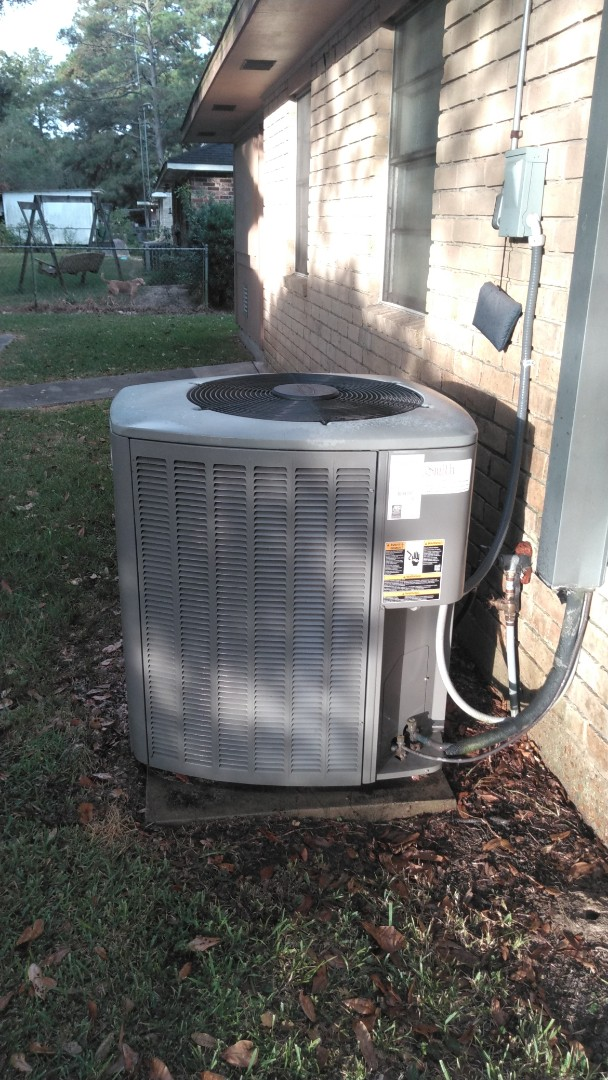 Crowley, LA - Did heating tune up on Lennox system.