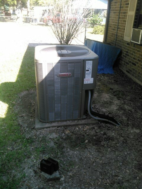 Basile, LA - Replace coil on Lennox unit.