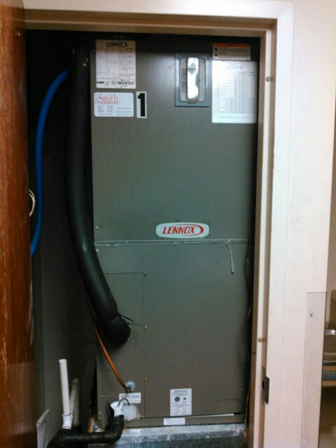 Pine Prairie, LA - Did heating tune up on Lennox unit and replace thermostat on unit no 1.