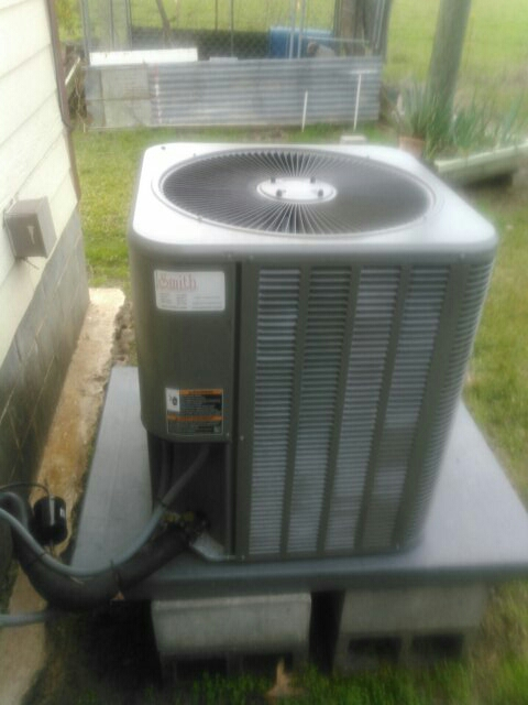 Basile, LA - Did service call on Lennox unit.