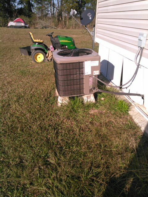 Mamou, LA - Did service call on mobile home trailer unit and needs to clean evap coil.