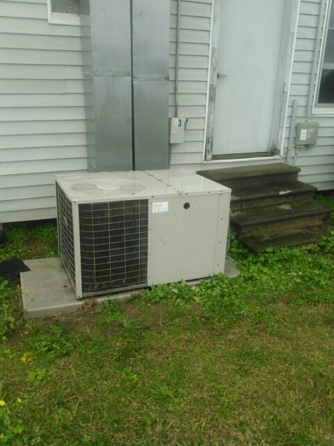 Did service call on miller package unit and added Freon.