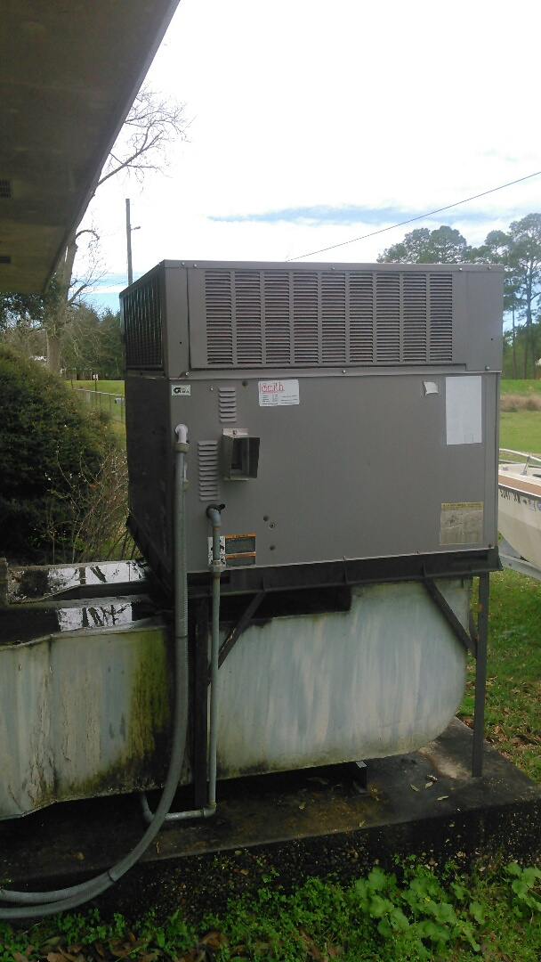 Sunset, LA - Did service call on carrier package unit and replace dual run capacitor.
