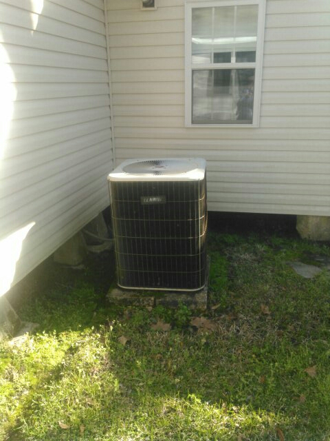 Oakdale, LA - Did heating tune up on Lennox heater unit and replace filter.