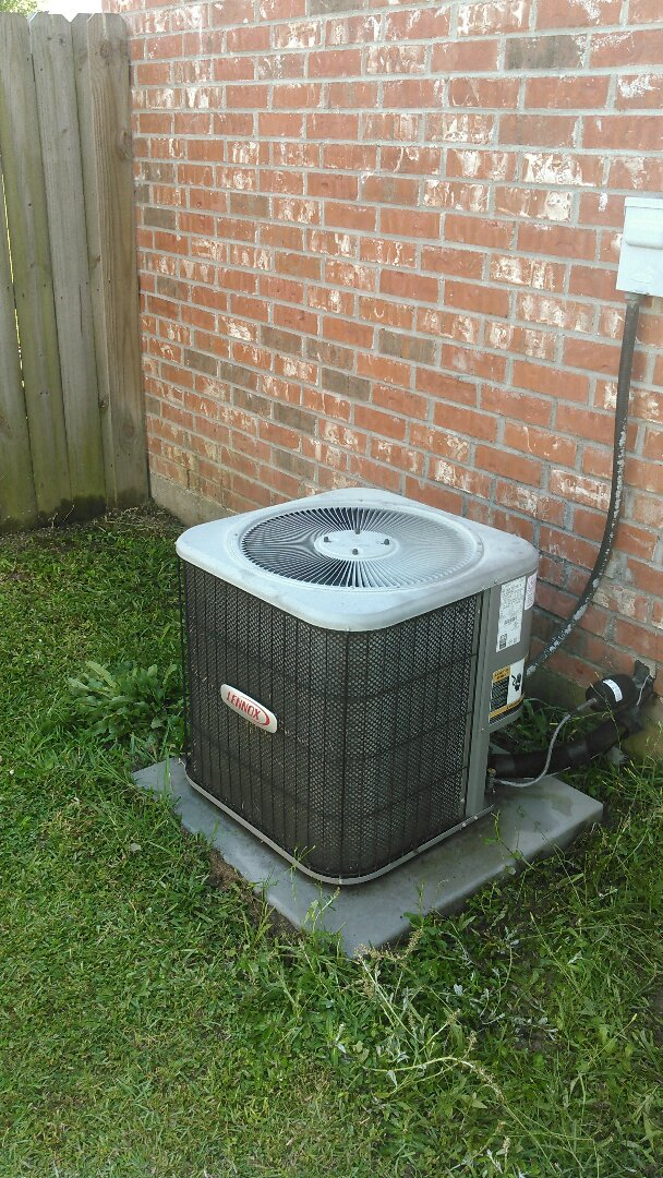 Youngsville, LA - Did service call on Lennox unit and replace capacitor and washed cond unit.