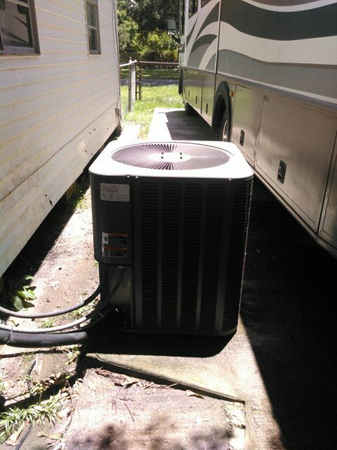 Eunice, LA - Did service call on Lennox unit and replace filter.