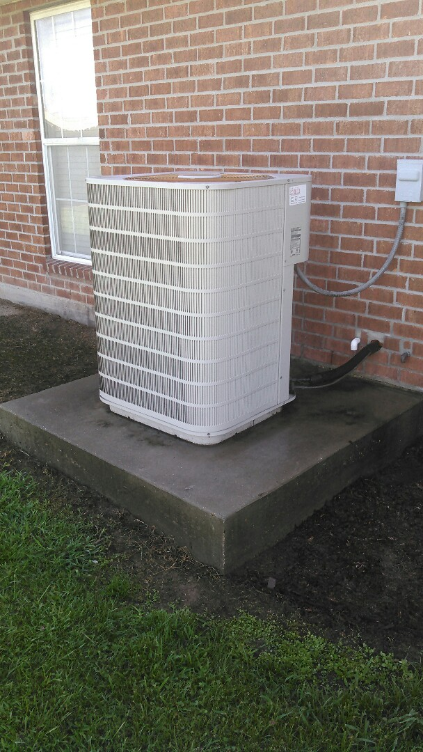 Church Point, LA - Did service call on Frigidaire unit and replace blower motor and control board and tstat.