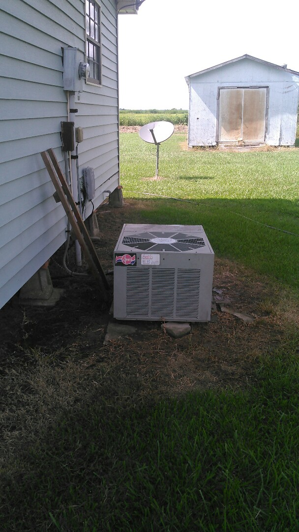 Eunice, LA - Did service call on ruud unit and added Freon.