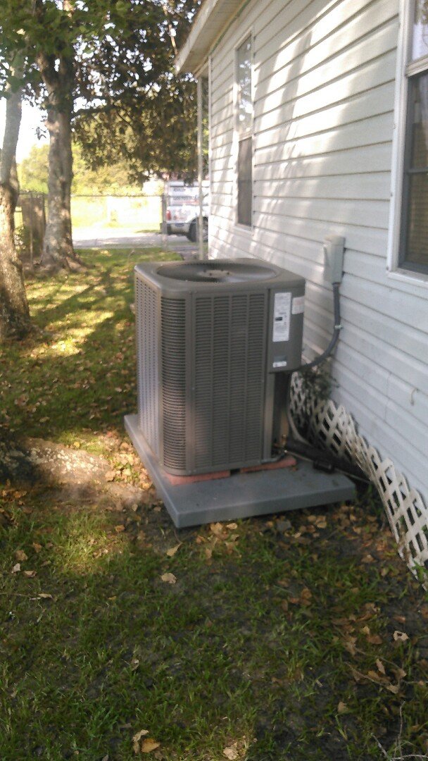 Lake Charles, LA - Did service call on Lennox unit and replace expansion value in warranty.