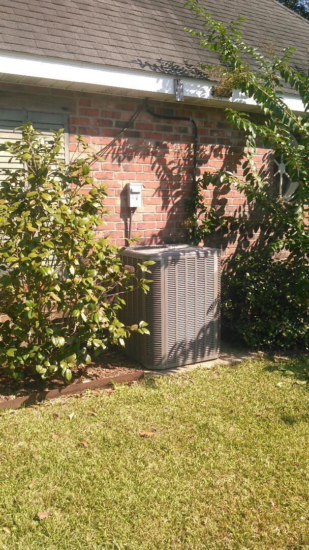 Washington, LA - Did service call on Lennox unit bad compressor and sold new Lennox unit.