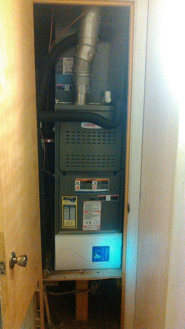 Saint Landry, LA - Did heating tune up on 2 Lennox unit, s.