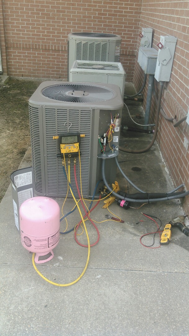 Basile, LA - Did service call on Lennox unit and did start up on Lennox unit.