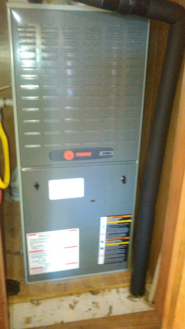 Port Barre, LA - Did heating tune up on trand unit and replace capacitor.