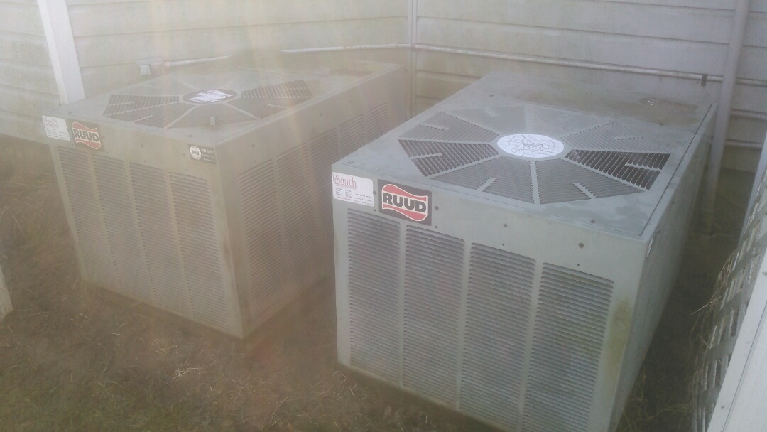 Carencro, LA - Did heating tune up on ruud  unit and added Freon.