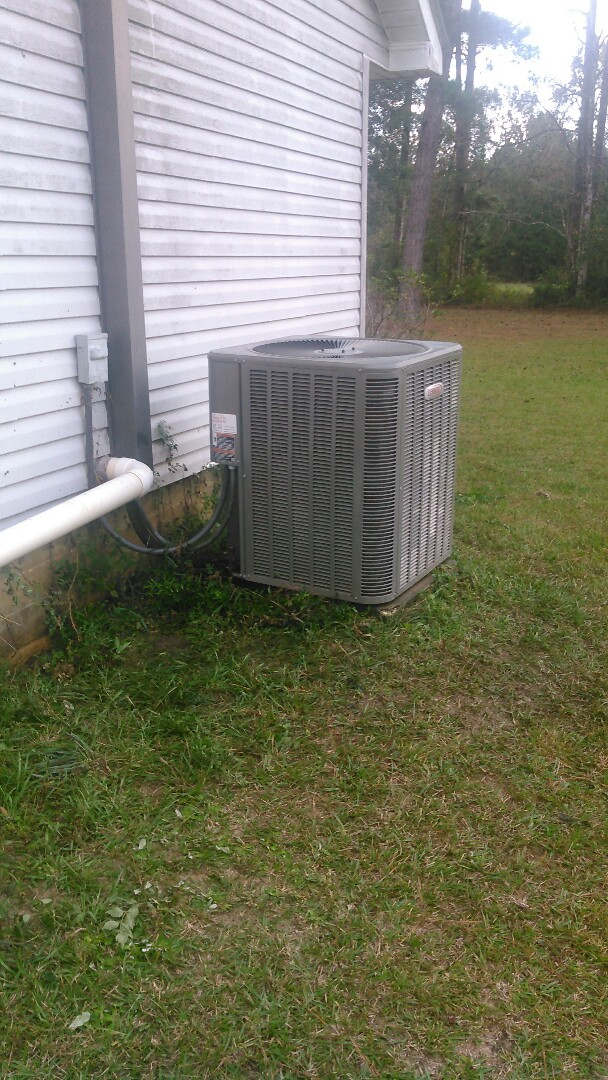 Elton, LA - Did heating tune up on Lennox heater unit and has bad expansion value.