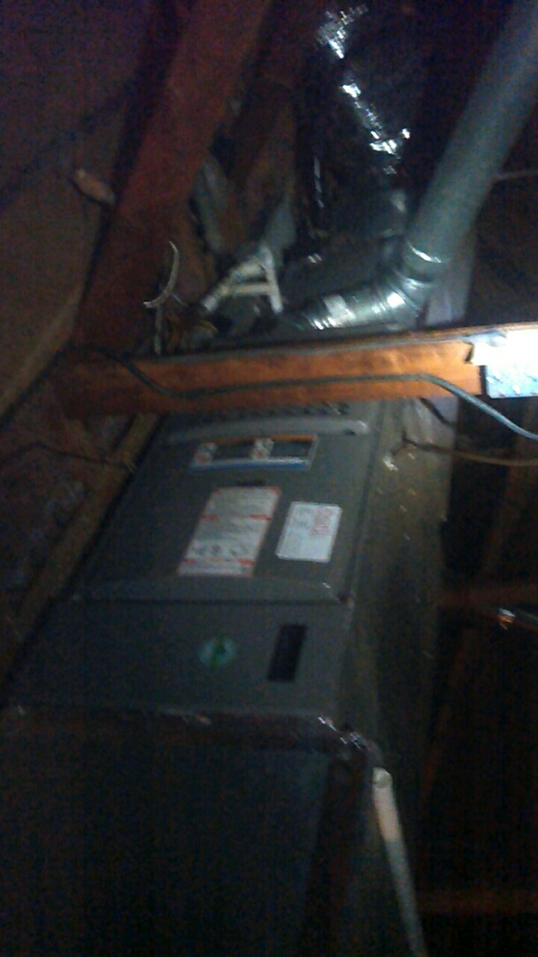 Lafayette, LA - Did heating tune up on Lennox heater unit and replace filter.