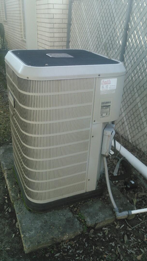 Eunice, LA - Did service call on Frigidaire heater HEAT pump unit.