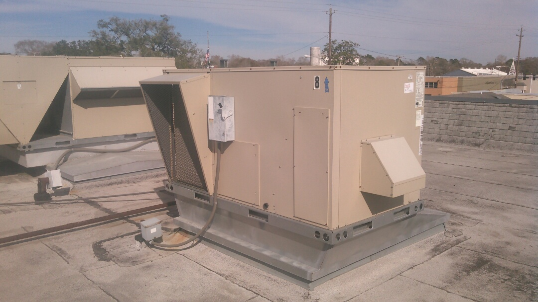 Eunice, LA - Did service call on Lennox package unit and replace draft induced motor.