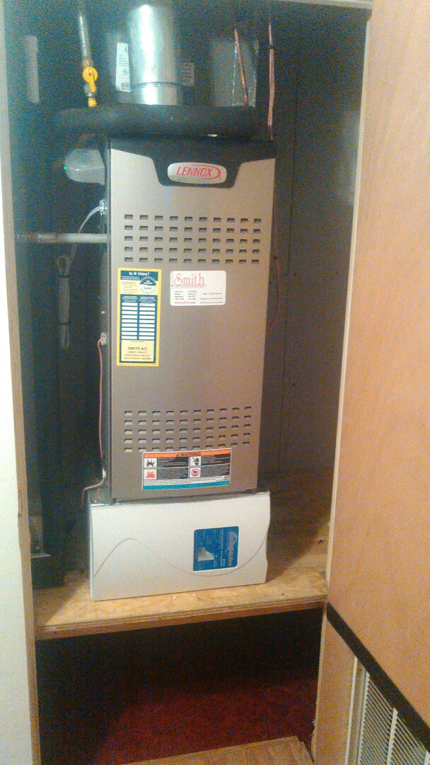 Opelousas, LA - Did heating tune up on Lennox heater and replace filter.
