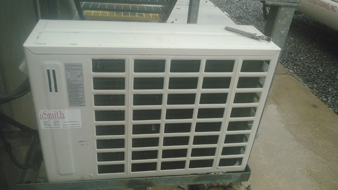 Ville Platte, LA - Did service call on LG mini spit and has bad motor and blade.