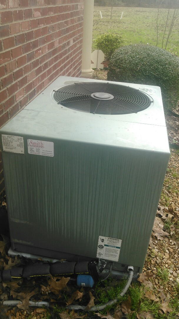 Ville Platte, LA - Did service call on rudd unit and reset thermostat.