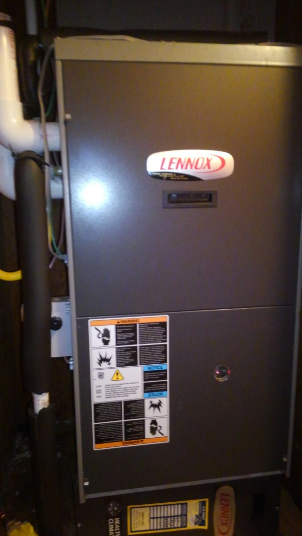 Eunice, LA - Preventative maintenance on a Lennox 90% gas furnace.