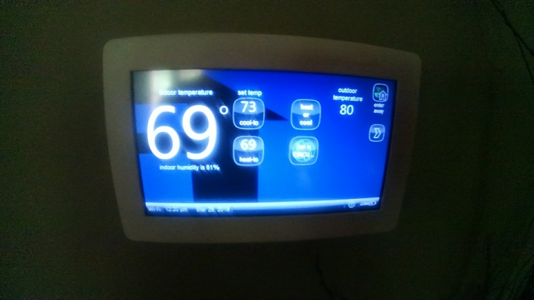 Eunice, LA - Did service call on Lennox system and adjusted tstat.