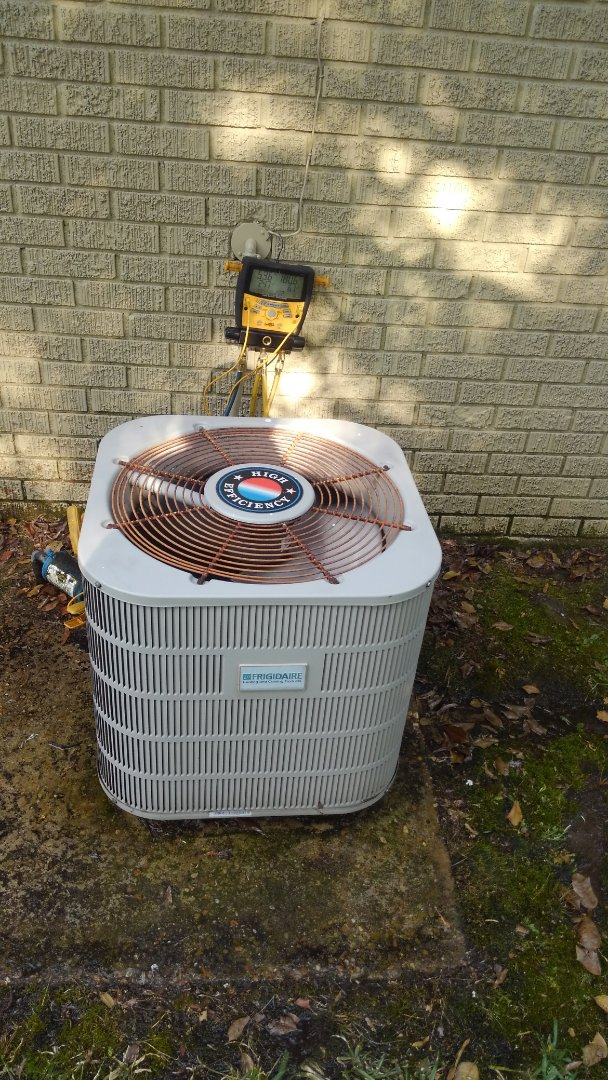 Mamou, LA - Did service call on Frigidaire unit and replace dual run capicator.