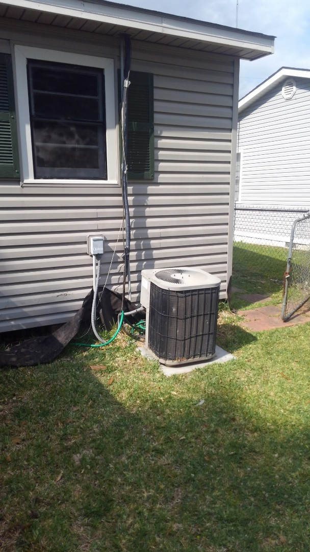 Opelousas, LA - Did service call on good man unit and replace dual run capicator.