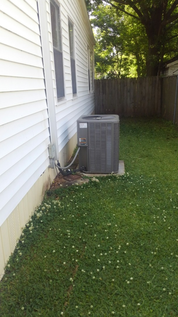 Did service call on Lennox unit and replace cond motor in warranty.