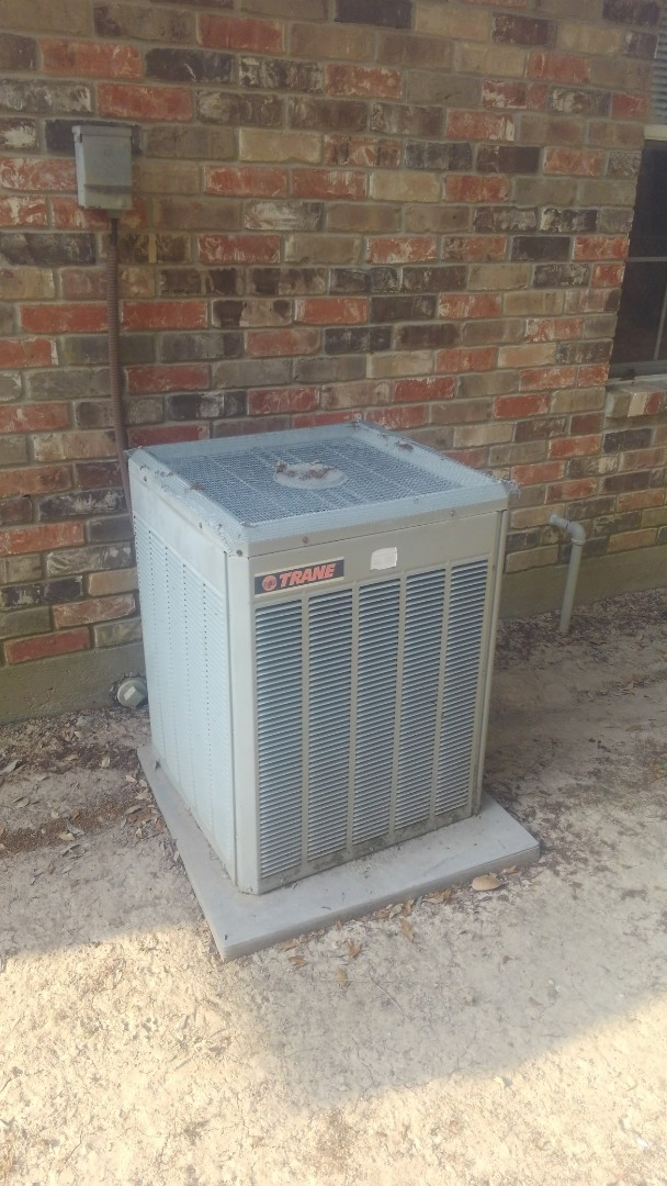 Ville Platte, LA - Did service call on trand system and replace dual run capicator and contactor.