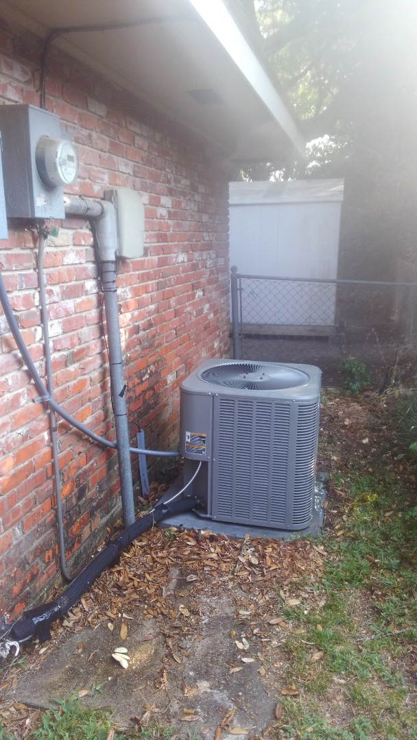 Lafayette, LA - Did cooling tune up on Lennox system and replace filter.