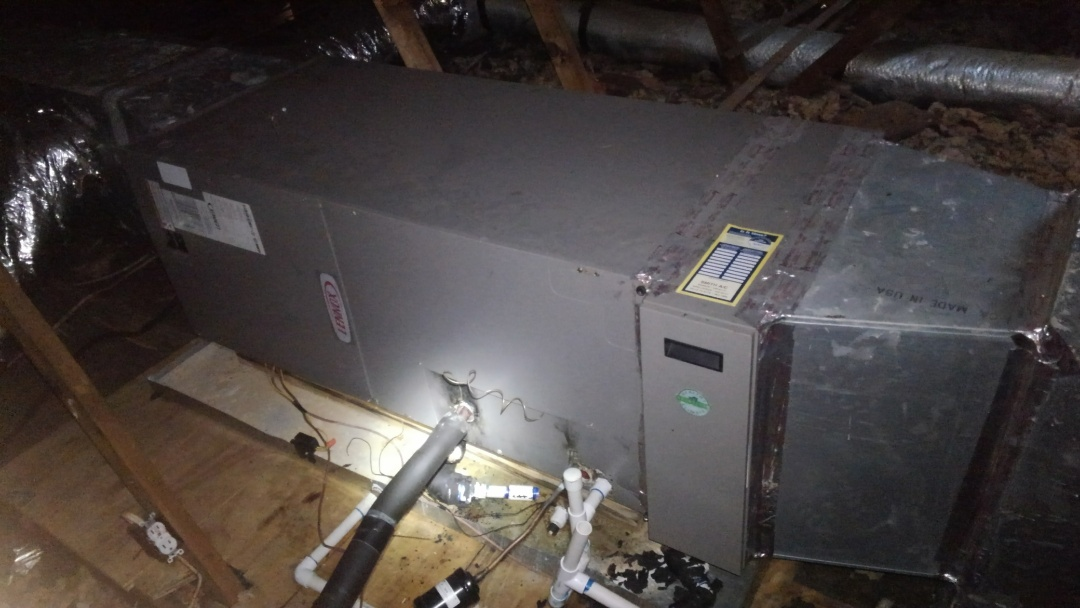 Lafayette, LA - Did cooling tune up on Lennox system.