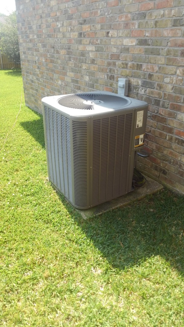 Eunice, LA - Did cooling tune up on Lennox system and replace filter.