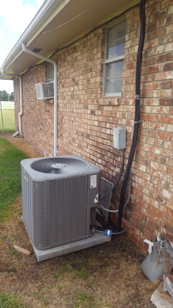 Opelousas, LA - Did cooling tune up on Lennox system and replace filter.