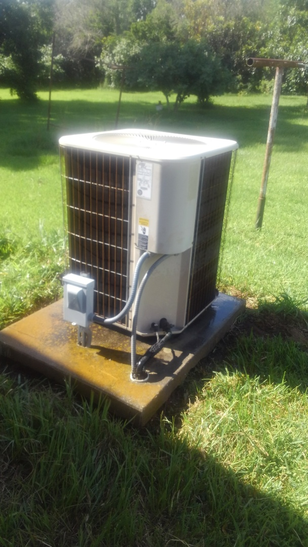 Opelousas, LA - Did cooling tune up on Lennox system.