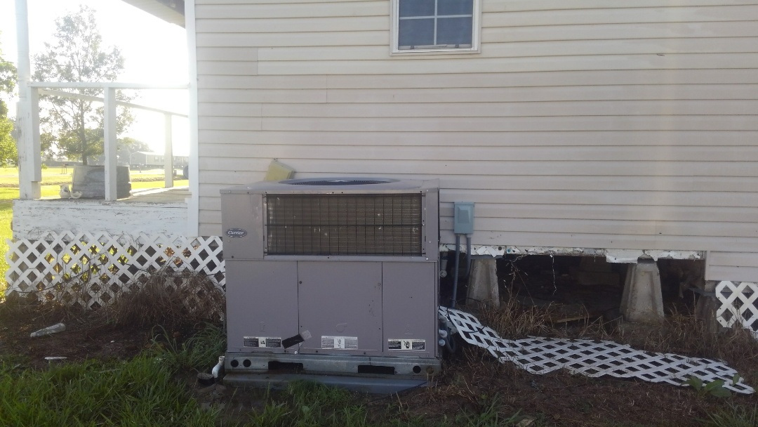 Eunice, LA - Did cooling tune up on carrier package unit.