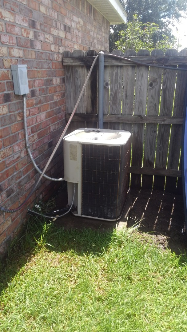 Did service call on Lennox system and replace capicator and singed up on yearly maintenance.