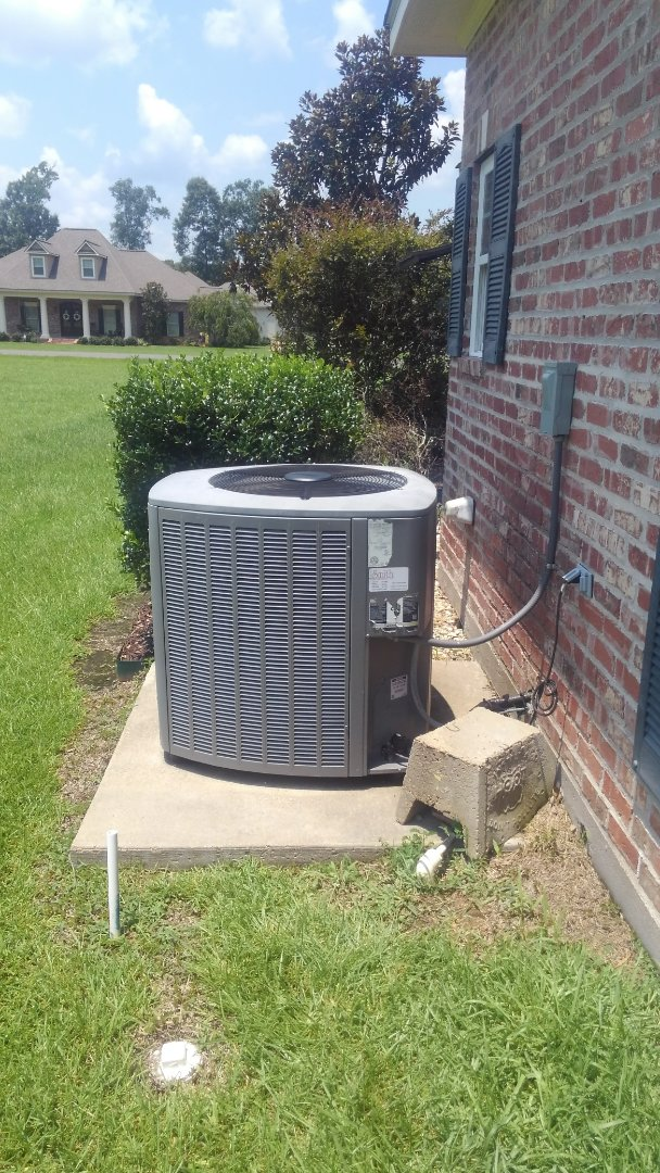 Ville Platte, LA - Did cooling tune up on Lennox system and replace filter and added frenon.
