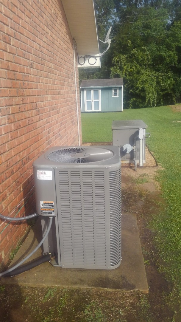 Ville Platte, LA - Did cooling tune up on Lennox system and yearly maintenance on generator.
