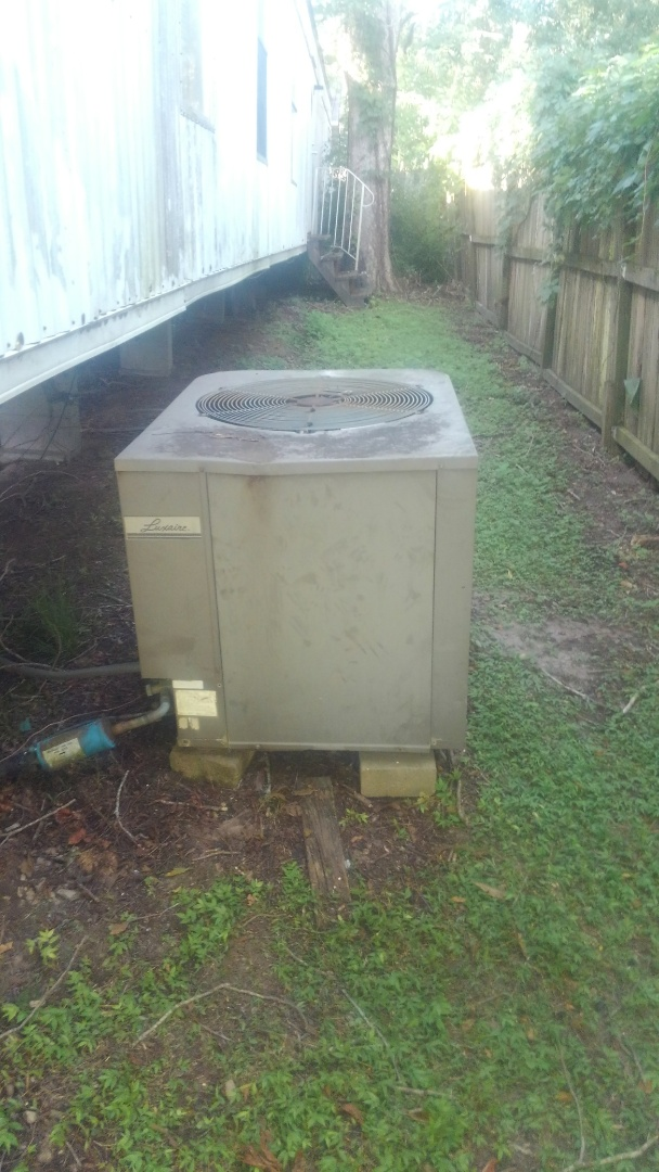Washington, LA - Did service call on mobile home unit and has bad compressor.
