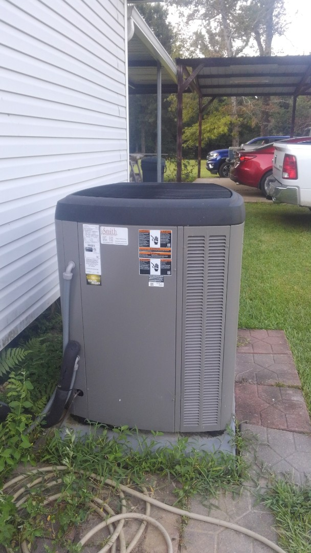Mamou, LA - Did service call on Lennox system and adjusted charge.