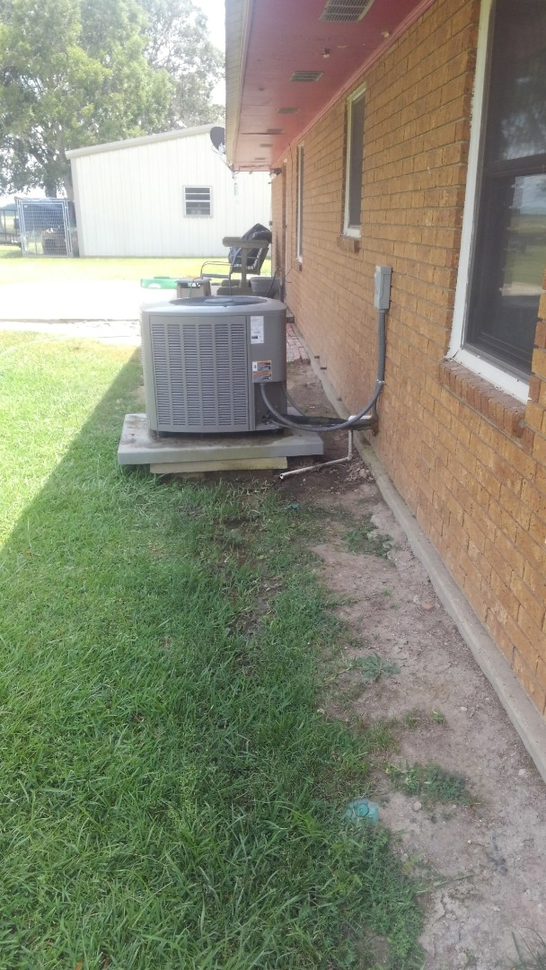 Ville Platte, LA - Did cooling tune up on Lennox system and replace filter.