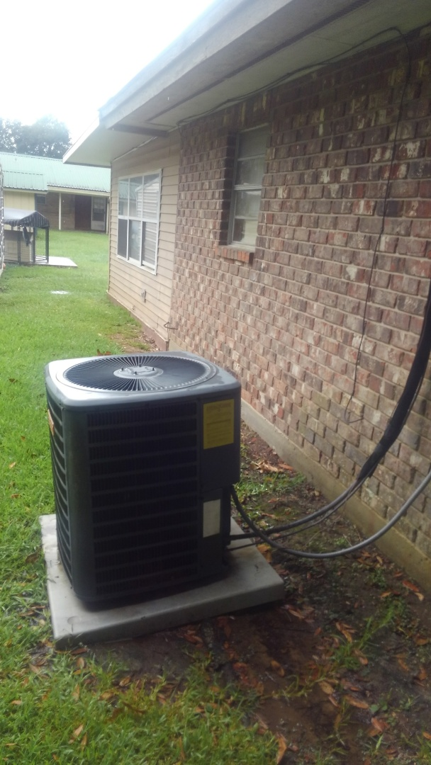 Mamou, LA - Did service call on good man unit and gave price on Lennox system and repairs.