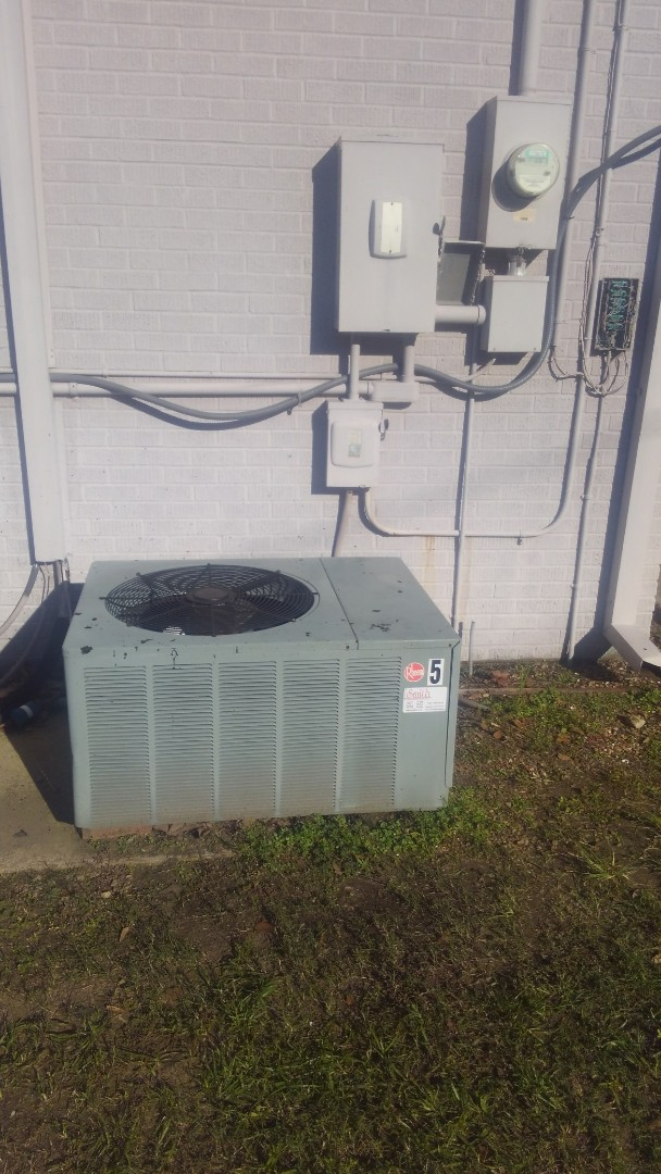 Mamou, LA - Did service call on Lennox heater and re_ hook up system.