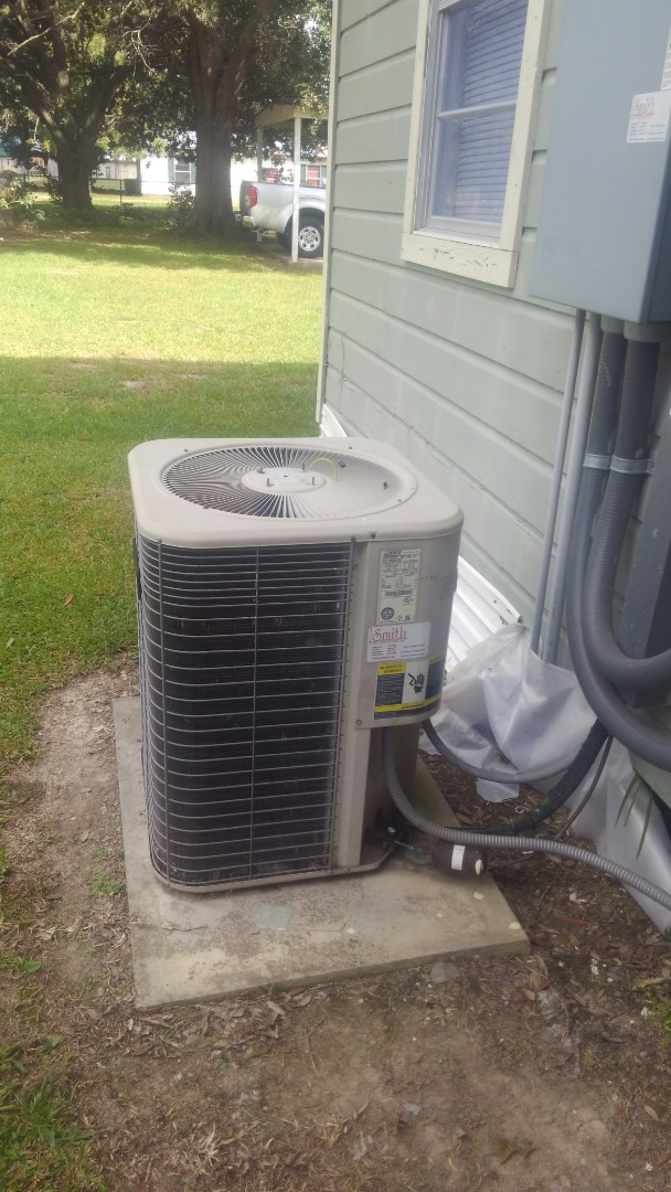 Pine Prairie, LA - Did cooling and heating tune up on Lennox system and replace tstat.