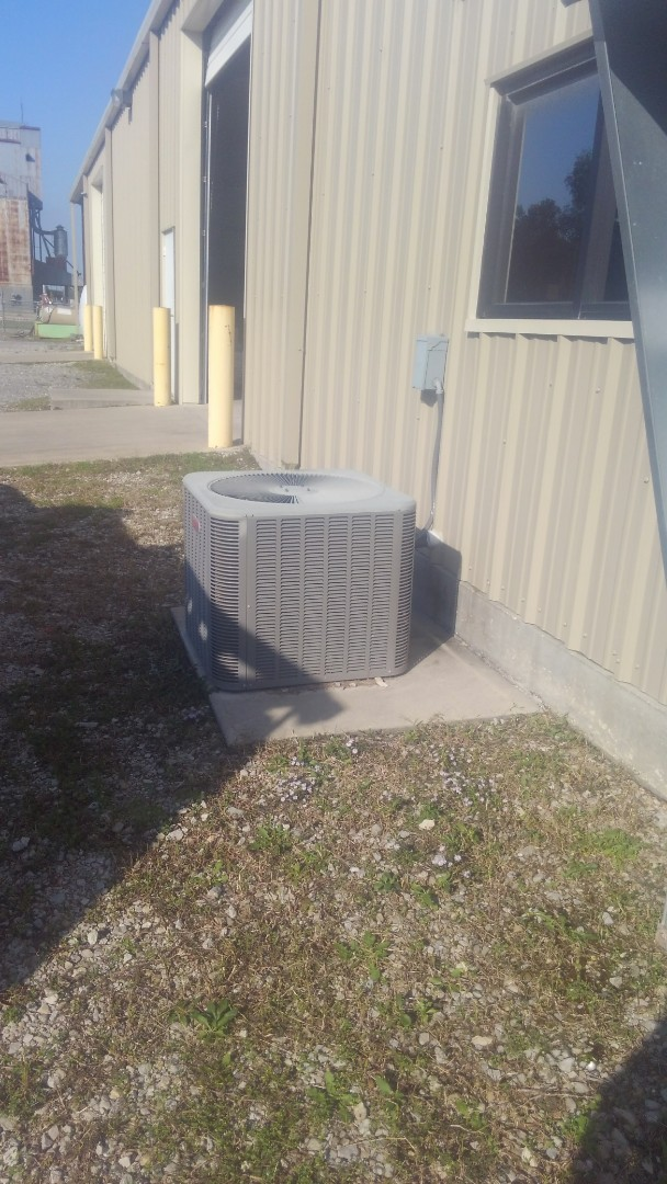 Eunice, LA - Did heating tune up on Lennox system and replace filter.