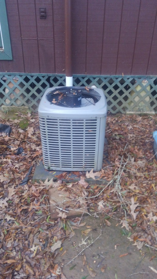 Mamou, LA - Did service call on luxaire system and replace capicator.