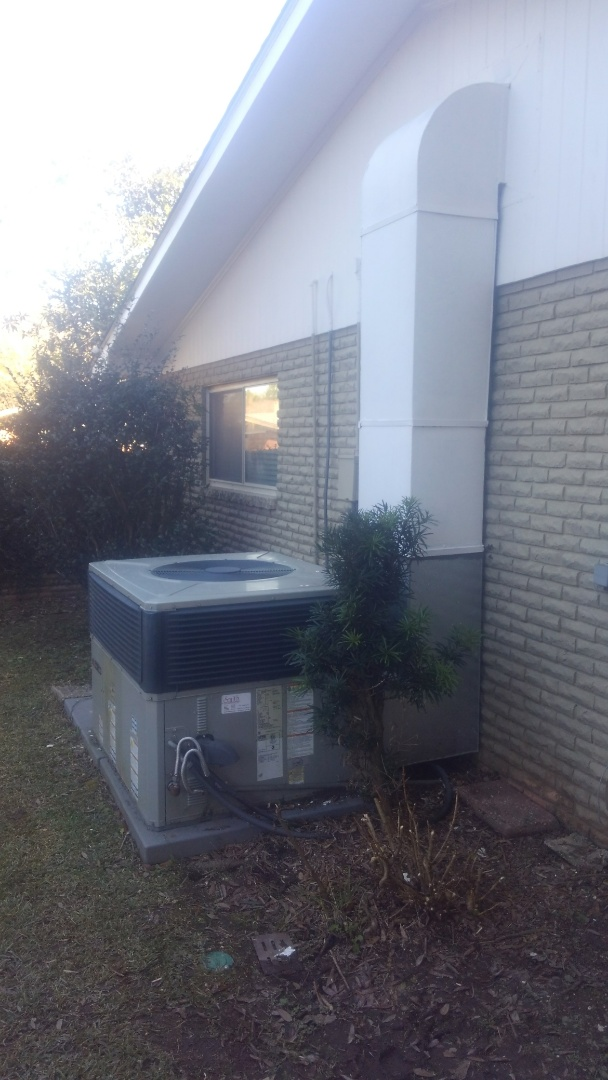 Lafayette, LA - Did heating tune up on trand package unit.