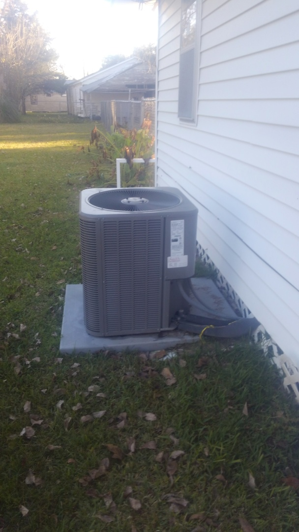 Ville Platte, LA - Did heating tune up on Lennox system and replace filter.